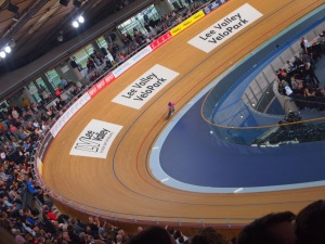 Never thought watching one woman ride round a track for an hour would be this engaging!
